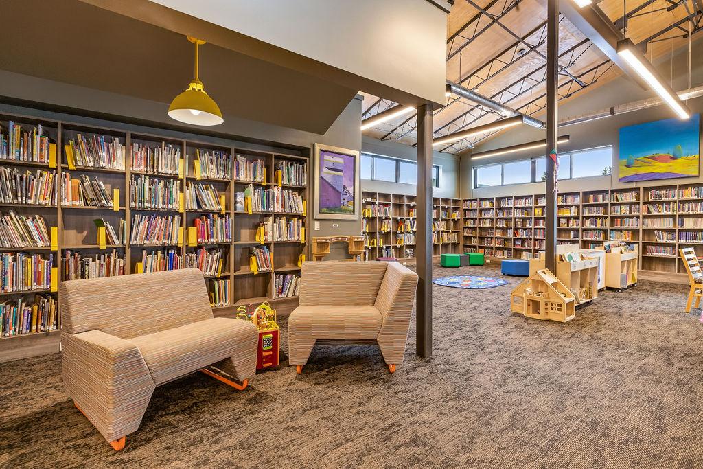 White Sulphur Springs Library